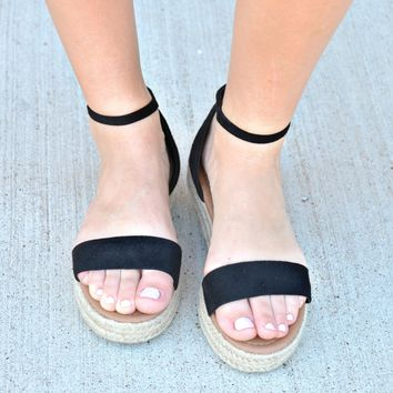 Get Together Sandals - Black