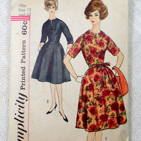 Simplicity 3721 Vintage sewing pattern Dress 1960s Bust 32 Slenderette Cocktail Dress notch collar princess Peter pan