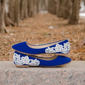 Blue Ballet Flats, Wedding Flats, Blue Flats, Bridal Shoes, Low Wedding Shoes, Blue Bridal Flats, Lace Flats with Ivory Lace.US Size 8.5