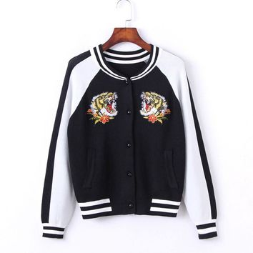 Tiger embroidered knitted sweater autumn winter new cardigan small jacket Korean version of baseball sweater