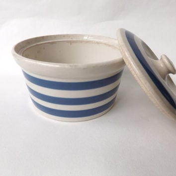 English 1940s Cornishware Blue & White Butter Dish / Retro Cornish Lidded Butter / Cornish Blue Country Kitchen Ware / Vintage Kitchenalia