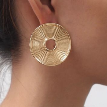 MANILAI Brand Big Round Alloy Indian Stud Earrings For Women 2018 Vintage Jewelry Fashion Statement Earrings Golden Silver Color