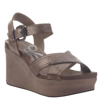 New OTBT Women's Sandals Bee Cave in Gold