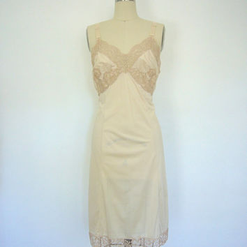 Full Slip / Nude Lace / Satin / Vintage Mad Men Style / Wonder Maid / Slip Dress / 36 Bust
