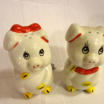 Vintage Pig Salt Pepper Shakers 1950s  1 Bottom Stopper Only