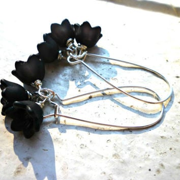 Black Flower Earrings. Silver Jewelry. Bridal, everyday.