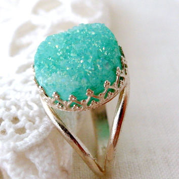Druzy ring, mint druzy ring, Gemstone ring, Bridal ring, bridesmaid gift, Sterling Silver mint stone ring, Cocktail ring, 14mm stone