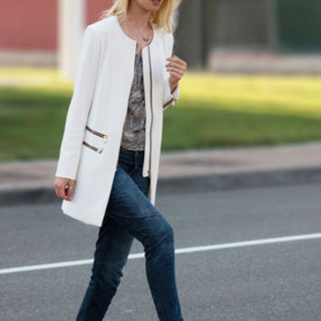 White Long Sleeve Round Neck Zipper Coat