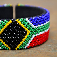 South Africa Bangle,cuff bracelet,Beaded cuff bangle,Beaded African bangle,traditional beadwork,South Africa flag,Proudly South African
