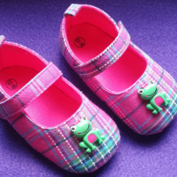 Pink Plaid Baby Shoes, Flat Baby Shoes,Christening baby shoes, baby girl crib shoes, frog baby shoes, Wedding, Ready to ship,