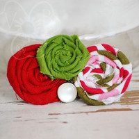Little Elf rosette holiday hair clip from VioletsBuds
