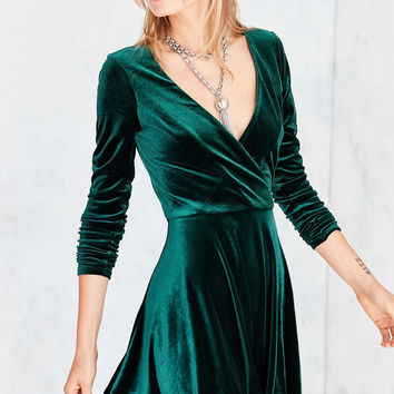 Kimchi Blue Iris Velvet Surplice Mini Dress - Urban Outfitters