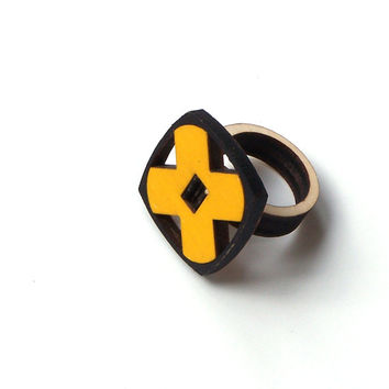 Elegant laser cut wooden ring - model 6/2, wood jewelry, X ring, yellow wooden ring