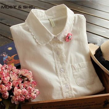 White Blouse  Women Cotton Lace Embroidery Turn-Down Collar Long Sleeve Tops Shirt Send Flower Brooch blusas feminina T55266