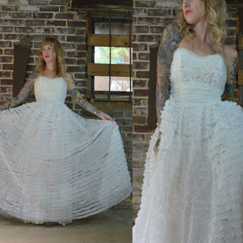 50's Cupcake Strapless Tulle White Ruffled Lace Wedding Dress