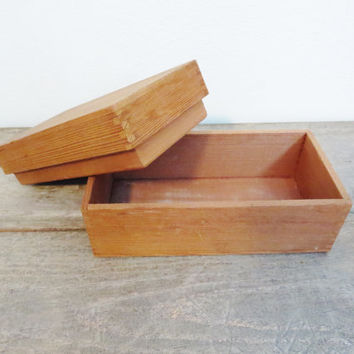 Antique Wood Box / Small Wood Box  / Boho Box / Farmstyle Wood Box / Vintage Wedding / Barn Wedding /  Meditation Box / Trinket Box