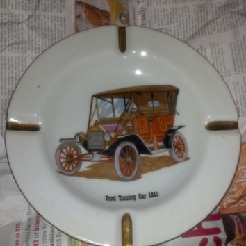 Vintage Porcelain Ashtray Ford Touring Car 1911