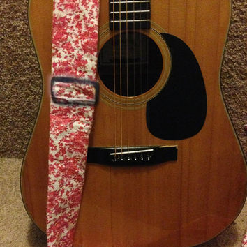 Vintage Red and white Guitar strap