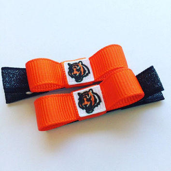 Cincinnati Bengals hair clips - Cincinnati Bengals Stocking Stuffer - Baby Hair Clips