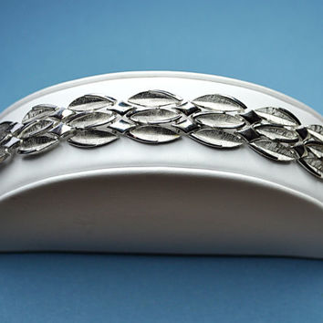 CROWN TRIFARI Vintage Silver Textured and Smooth, Triple Leaves Link Bracelet,  Silver Shimmer! #A699