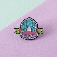 Mermaid Shell Enamel Pin with clutch back // lapel pins, mermaid // EP075