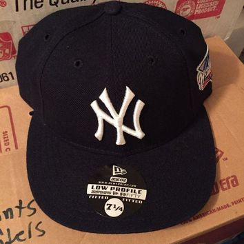 DCK4S2 New York Yankees 2000 World Series Patch Low Profile Fitted Hat Cap 7 1/4 NY era