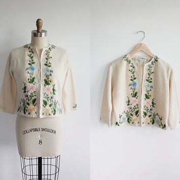 Vintage 50s Ivory Embroidered Angora Lambswool Cardigan | small medium