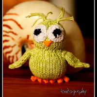 Toy Owl, handmade from ecologic cotton yarn, green