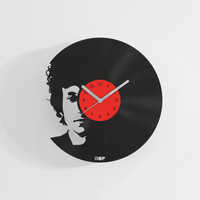 Bob Dylan wall clock from upcycled vinyl record (LP) | Hand-made gift for Bob Dylan music lover | Bob Dylan home wall decoration / present |