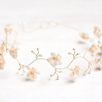Cream wedding headband, Pearls. Wedding hair accessory, peach floral crown, Pearls tiara, Bridal crown, Flower crown, Bridal crown.