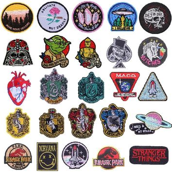 Pulaqi Jurassic Park Animal Patches Alien Space Stranger Things Punk Style Appliques Iron On Patches for Clothing Coat Parch H