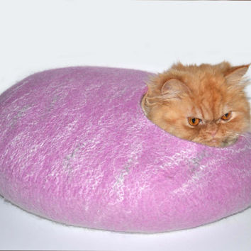 Cat Bed / Felted Cats Cave / Lavander / Pets House / Dog Bed / Size M / Ready to ship