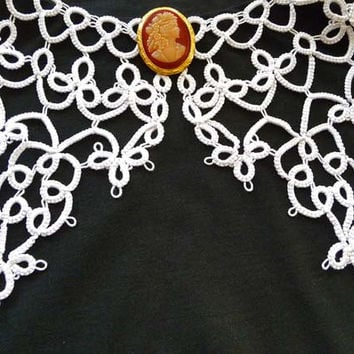 Handmade Collar - white collar - lace collar - collar tatting - feminine accessories - elegant collar - vintage style