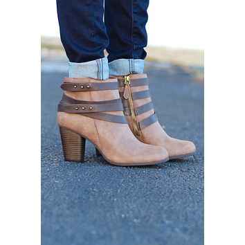 Madden Girl: Deluxx Booties {Brown}