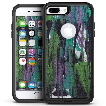 Abstract Cracked Green Paint Wall - iPhone 7 or 7 Plus Commuter Case Skin Kit