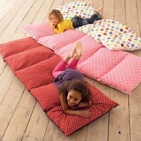 make this / Brilliant!! Five pillow cases sewn together, insert pillows. Taa-daa!