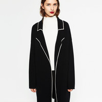 LAPEL COLLAR COAT DETAILS
