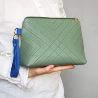 Leather toiletry bag - Green leather cosmetic pouch - Quilted makeup case.