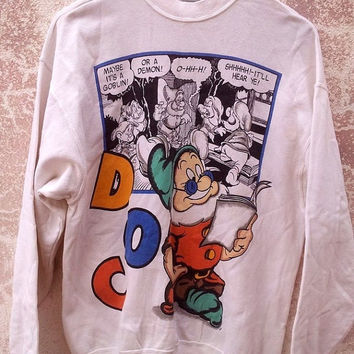 ON SALE Vintage Vtg 80's SNOW White  and The Seven Dwarfs Funny Cartoon White Sweater Sweatshirt
