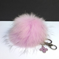 "Fur Pom Pom keychain luxury bag charm pendant clover flower keychain keyring in ""pudre pink"" with natural dark tips"