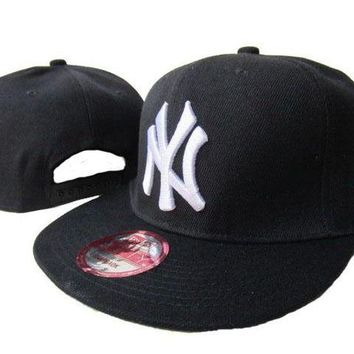 DCCKBE6 New York Yankees New Era MLB 9FIFTY Cap Black-White