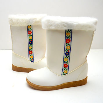 Adorable Vintage Girl's White Boots, Floral Ribbon and Faux Fur Trim, New Old Stock, Choice of Size 6 or 7, 1970s