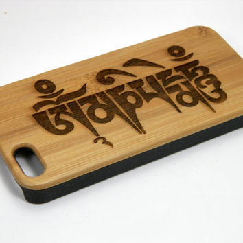 Sanskrit Mantra iPhone 5 5S Case. Om Mani Padme Hum. Eco-Friendly Bamboo Wood Cover Skin. Buddhist Meditation Sacred Lotus Flower Prayer