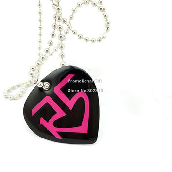 Black Heart Shape R5 Family Aluminum Dog Tag Necklace with 24 Ball Chain for Give Away Gift