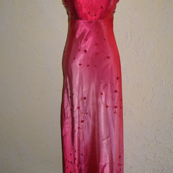BETSY & ADAM Cranberry Hombre Beaded Formal Prom Homecoming Wedding Full Length Dress With Spaghetti Straps And Lace Up Back Size 8