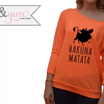 Hakuna Matata // Lion King Silhouette Off the Shoulder Sweatshirt // Disney Lion King Sweatshirt // Disney Lover Shirt // Pumba Shirt