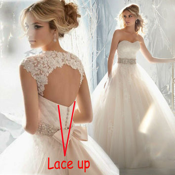 In Stock Crystals Lace Up Light Champagne Bridal Dress Lace Removable Cap Sleeves Beading Sash Wedding Dress Ball Gown
