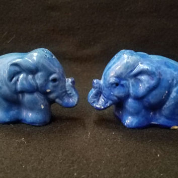 Elephant Salt and Pepper Shakers (1115)
