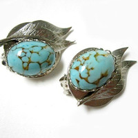 Vintage Faux Veined Turquoise Leaf Clip Earrings