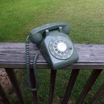 1970s Vintage Rotary Dial Telephone in Avocado or Olive Green by Bell System, Western Electric, Vintage Phone, 1970s Vintage Technology